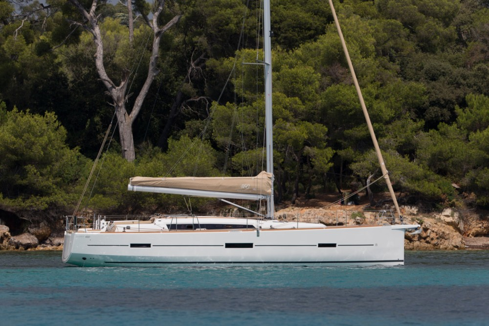 Sailboat for rent Central Greece at the best price