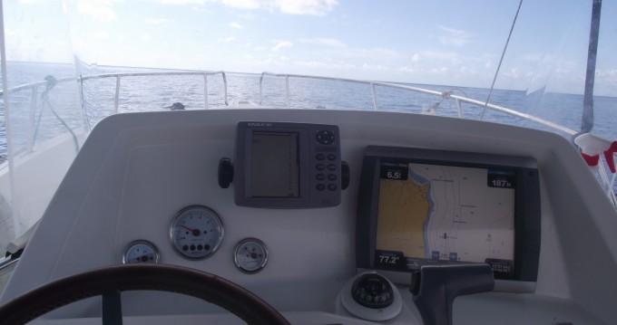 Kelt White shark 226 entre particuliers et professionnel à Basse-Terre