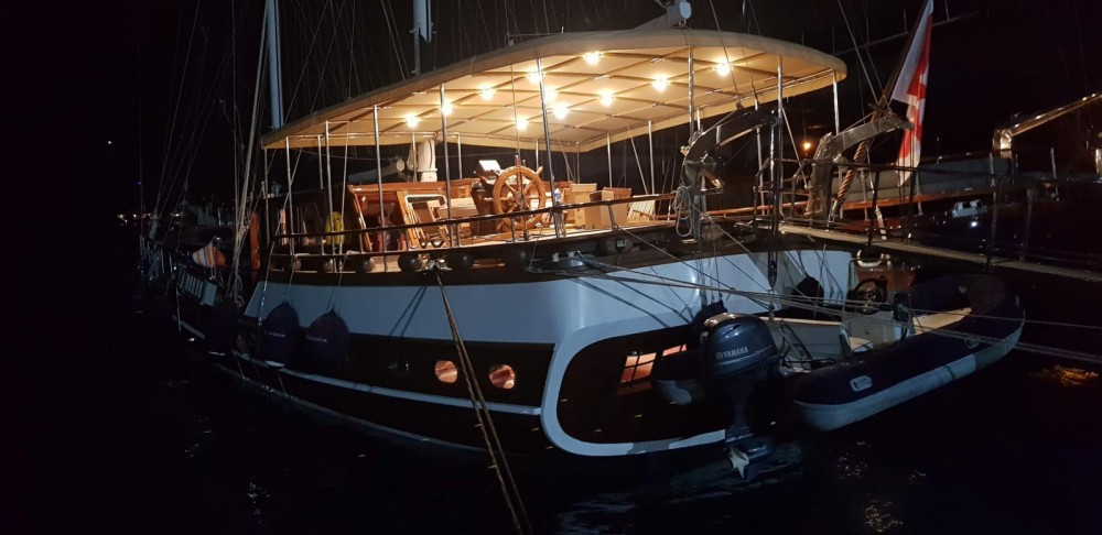 Sailboat for rent Leni at the best price