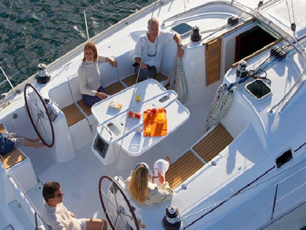 Rental Sailboat in Marmaris Yacht Marina A.Ş - Bénéteau Cyclades 50.5 - 5 + 1 cab.