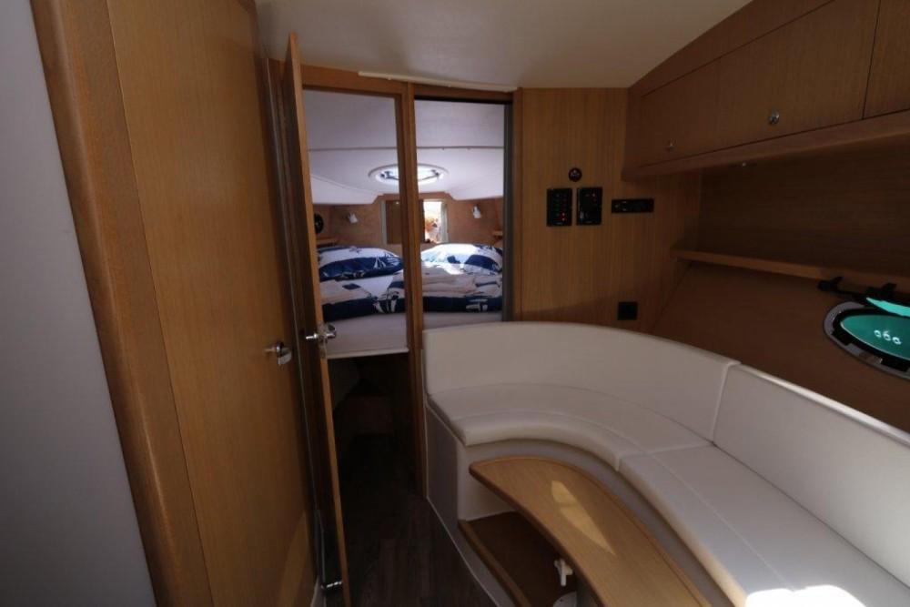 Rental Motor boat in Marina Pirovac -  Mirakul 30