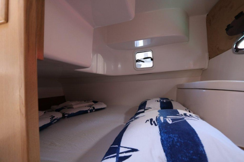 Boat rental  Mirakul 30 in Marina Pirovac on Samboat