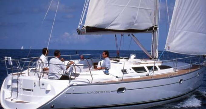 Jeanneau Sun Odyssey 40.3 entre particuliers et professionnel à Lávrio