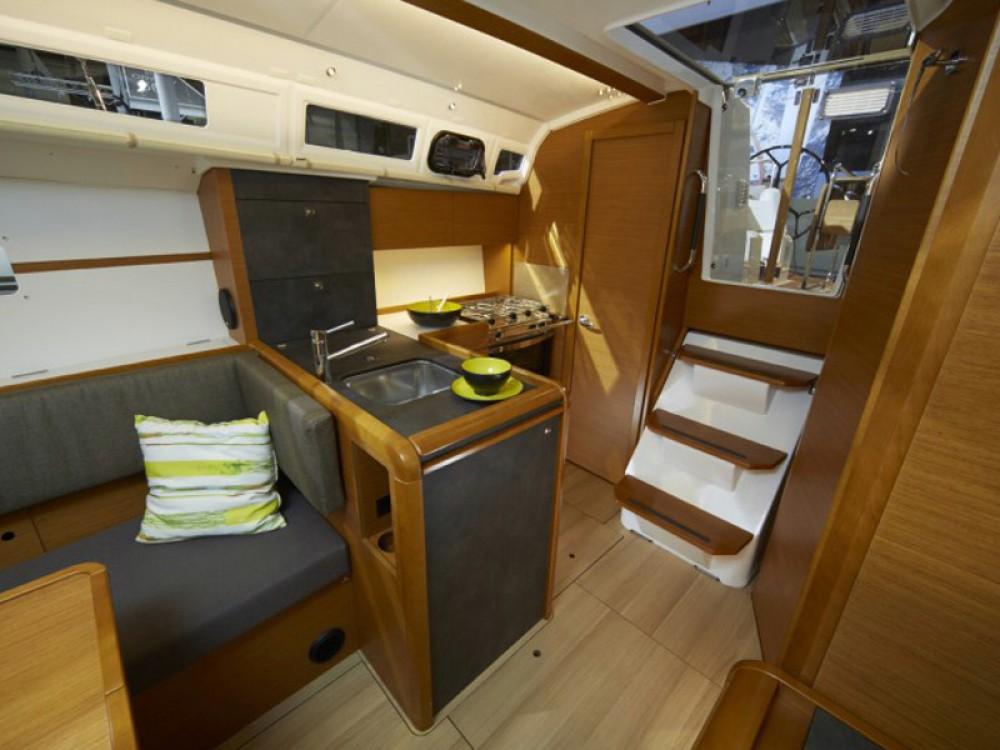 Rental yacht Σκιάθος - Jeanneau Sun Odyssey 349 on SamBoat