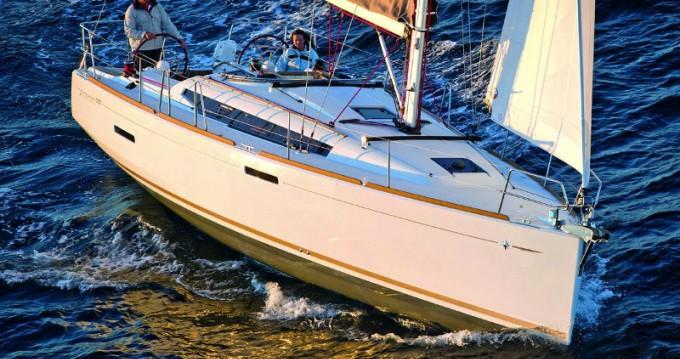Location bateau Jeanneau Sun Odyssey 389 à Álimos sur Samboat