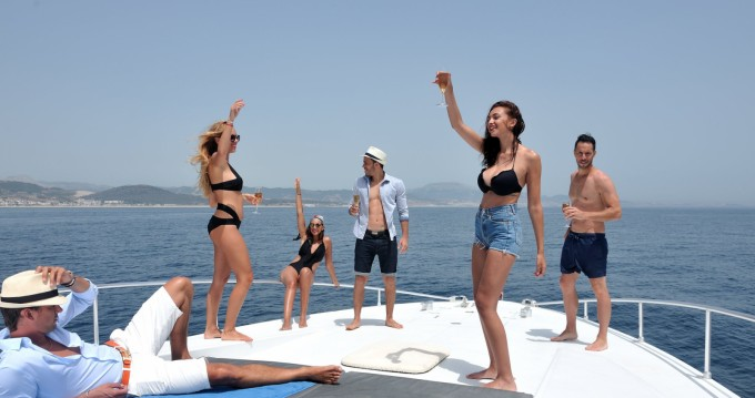 Louer Yacht avec ou sans skipper Arno Leopard à Port Marina Smir