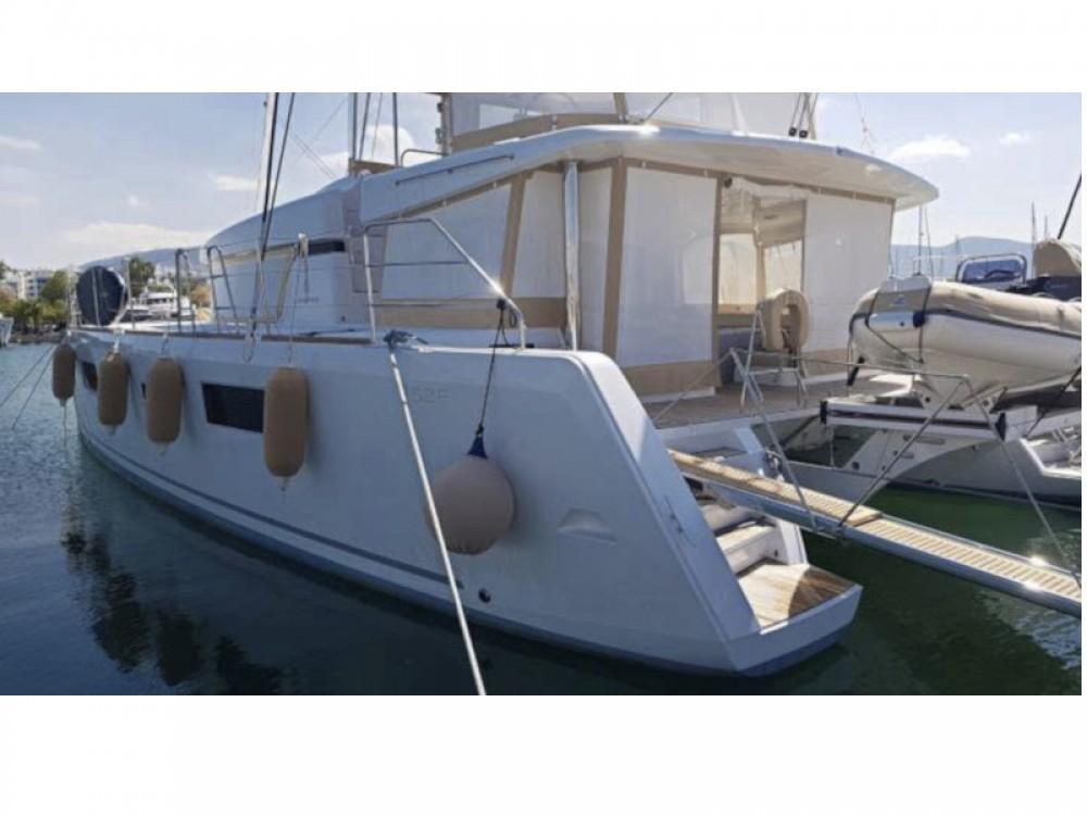 Rent a Lagoon Lagoon 52 - 5 cabin version Marina de Alimos