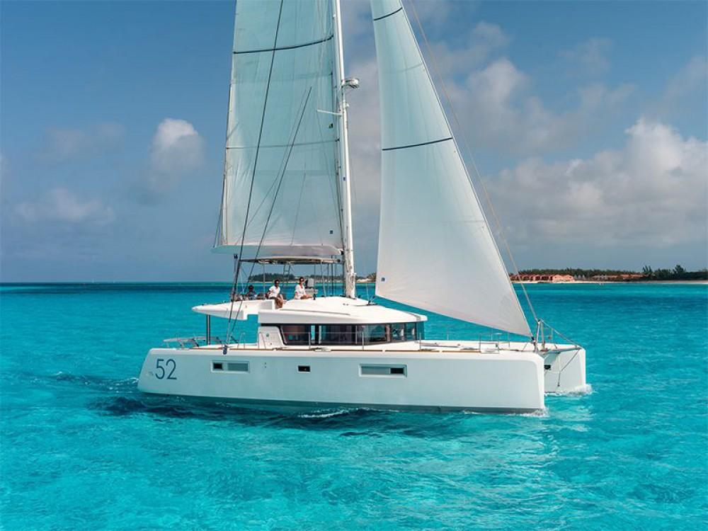 Rental Catamaran in Marina de Alimos - Lagoon Lagoon 52 - 5 cabin version