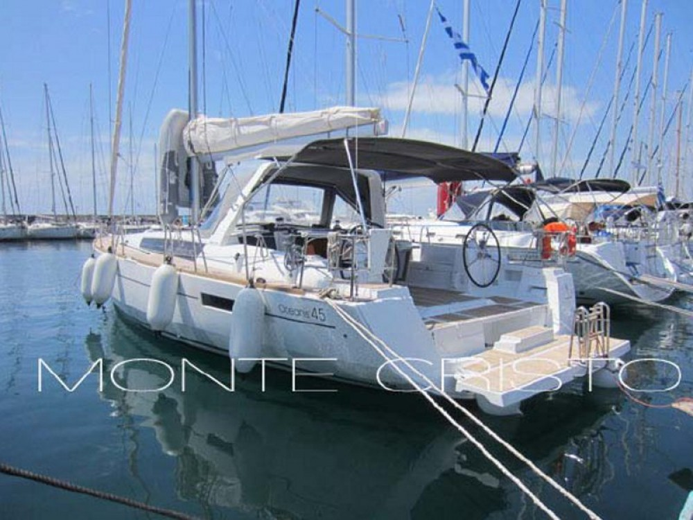 Hire Sailboat with or without skipper Bénéteau Marina de Alimos