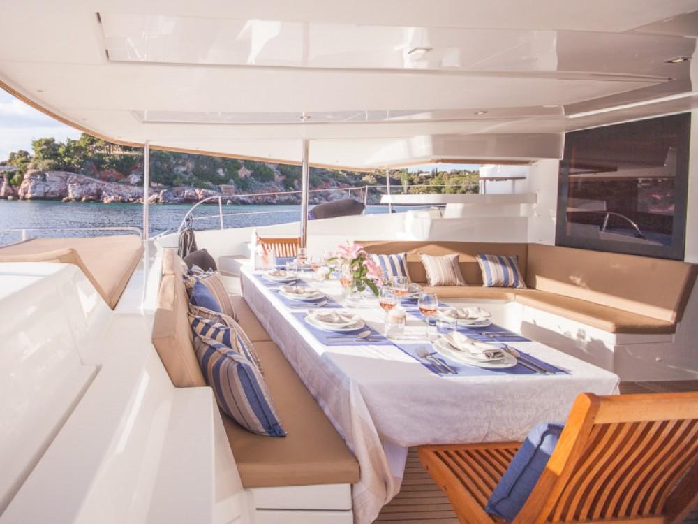 Boat rental Fountaine Pajot Sanya 57 - 5 cabi version in Marina de Alimos on Samboat