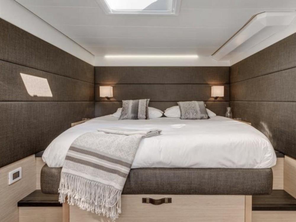 Boat rental Marina de Alimos cheap Lagoon 62 - 5 cabin version