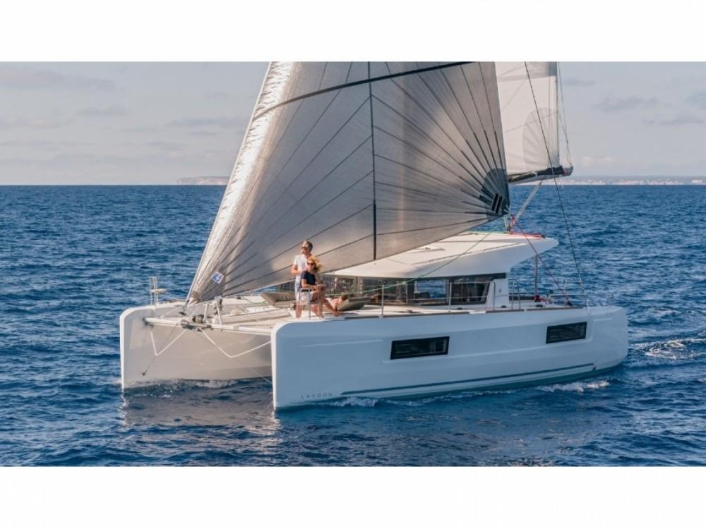 Rental yacht Lungòni/Santa Teresa Gallura - Lagoon Lagoon 40 on SamBoat