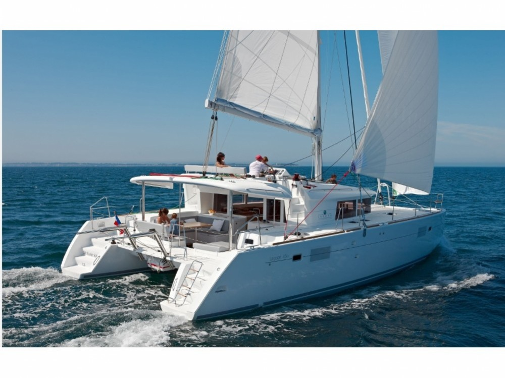 Hire Catamaran with or without skipper Lagoon Marina d'Arechi