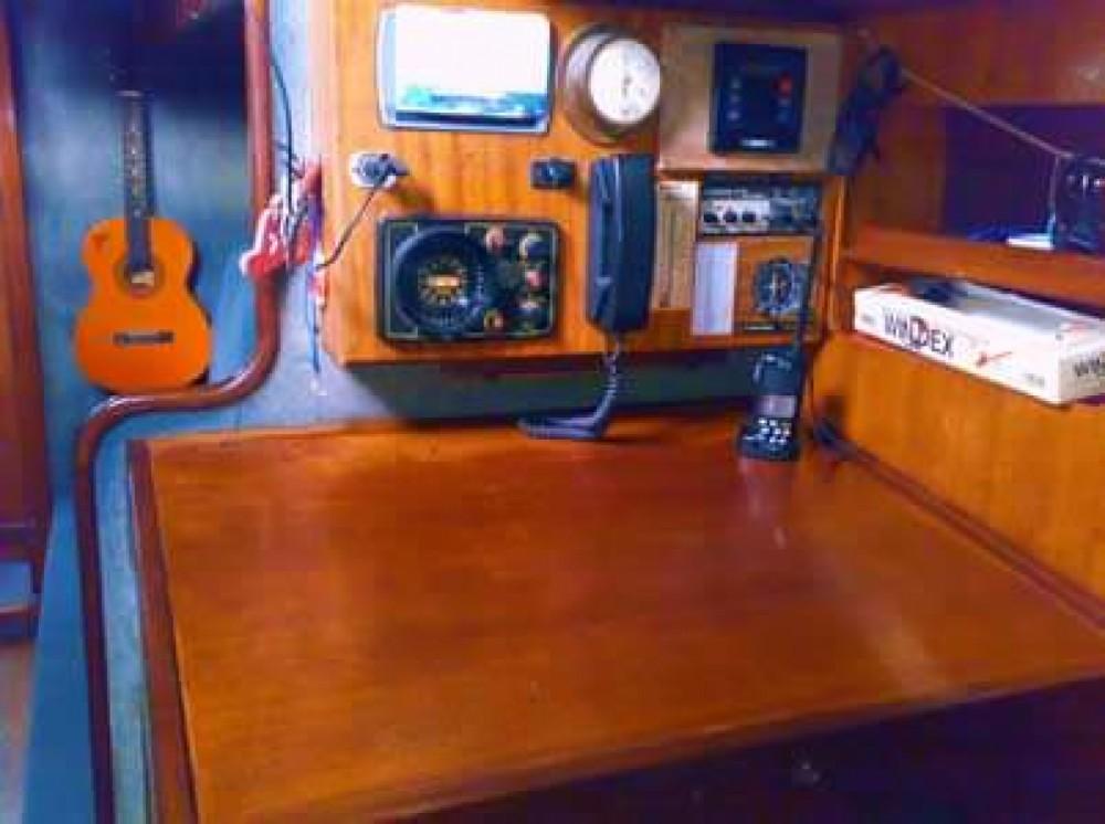 Location bateau Nelson Yachts Nelson 46 à Procida sur Samboat