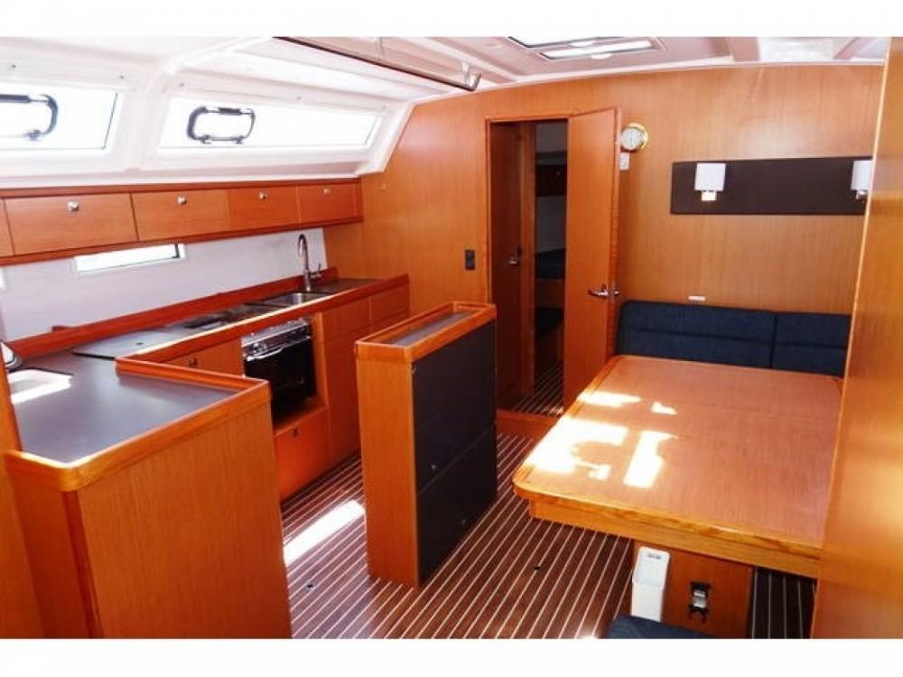 Boat rental Bavaria Bavaria Cruiser 46 in Alimos Marina on Samboat
