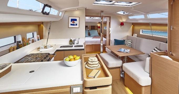 Location yacht à Lávrio - Jeanneau Sun Odyssey 440 sur SamBoat