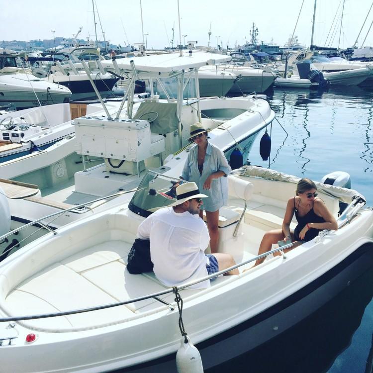 Rental Motor boat in Naples - Marinello Eden 18