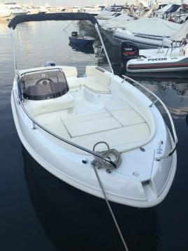 Noleggio barche Napoli economico Eden 18