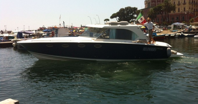 Location bateau Tornado Tornado 38 Flush Deck à Naples sur Samboat