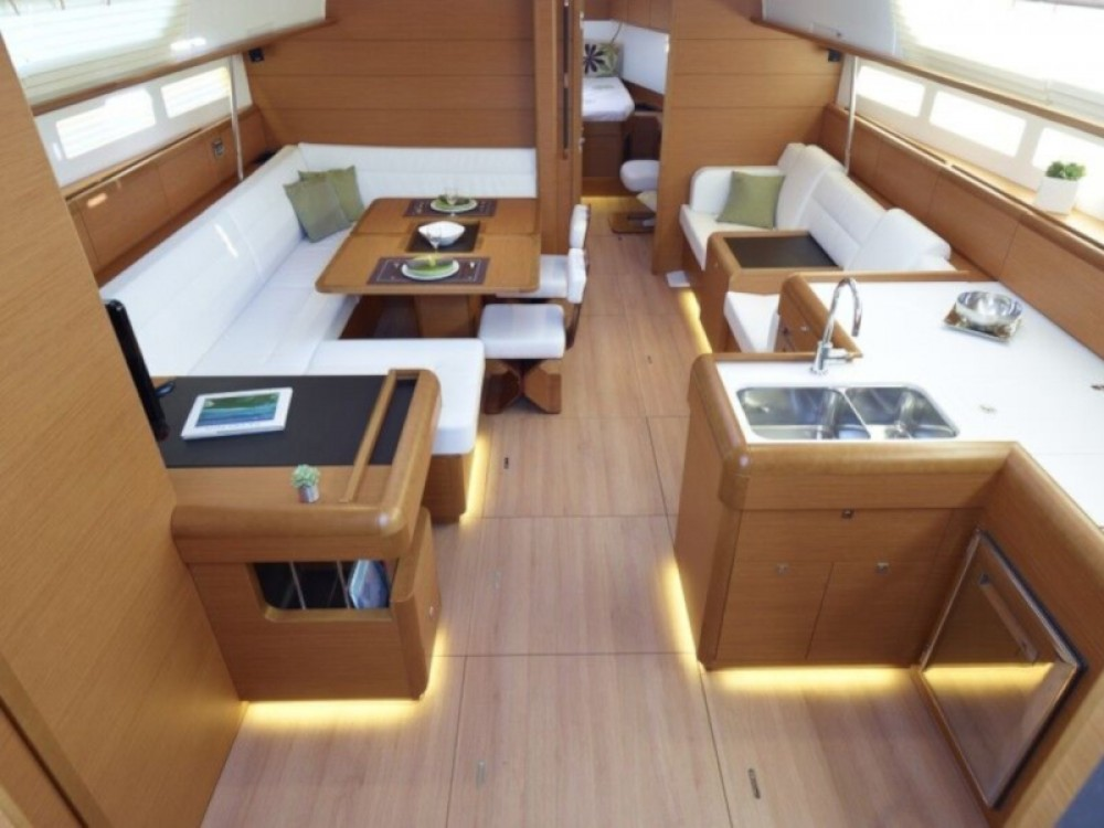 Rental yacht Marina de Alimos - Jeanneau Sun Odyssey 509 on SamBoat