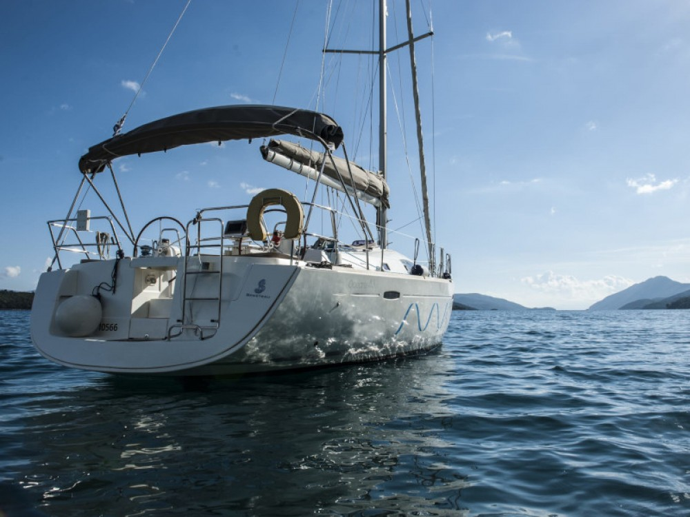 Hire Sailboat with or without skipper Bénéteau Lefkas