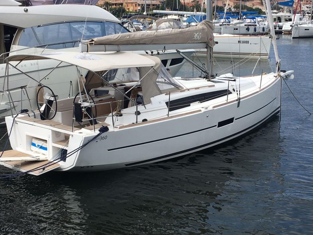 Boat rental Dufour Dufour 360 Grand Large in Cagliari - Casteddu on Samboat