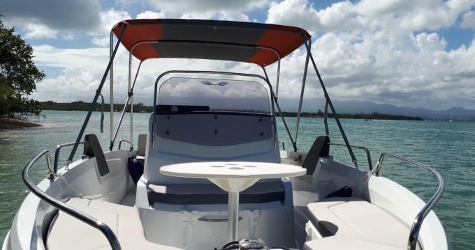 Location bateau Pointe-à-Pitre pas cher Flyer 6.6 SPACEdeck