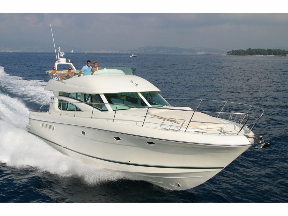 Boat rental Jeanneau Prestige 46 Fly-a in Cannigione on Samboat