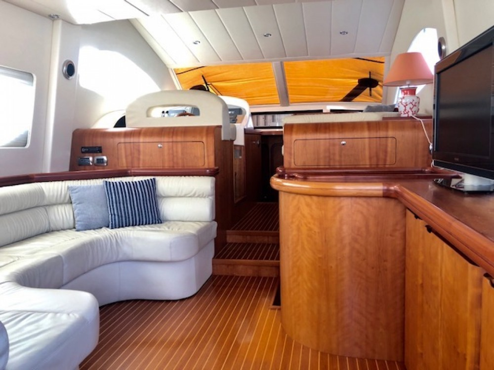 Rental yacht Marina Cala Galera - Raffaelli Maestrale 52  on SamBoat