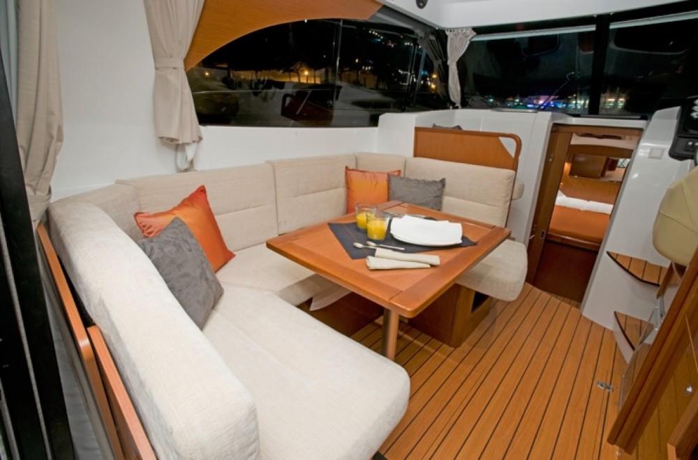 Rental yacht Cannigione - Bénéteau Antares 32 Fly on SamBoat