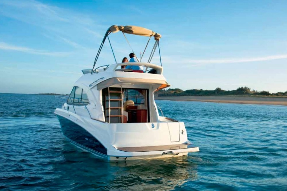 Hire Motor boat with or without skipper Bénéteau Cannigione