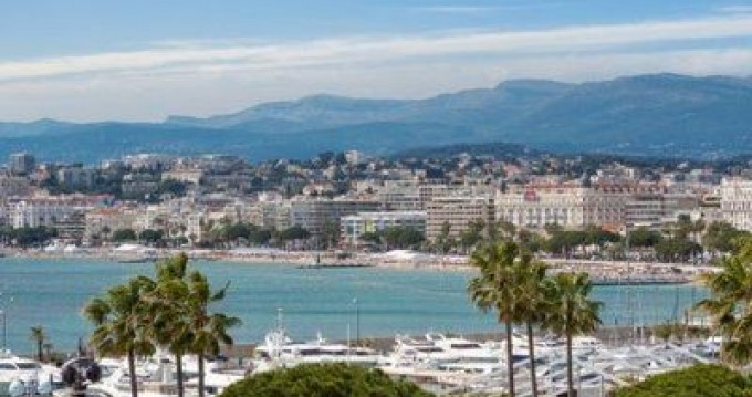 Location yacht à Cannes - Ferretti Altura 36 sur SamBoat