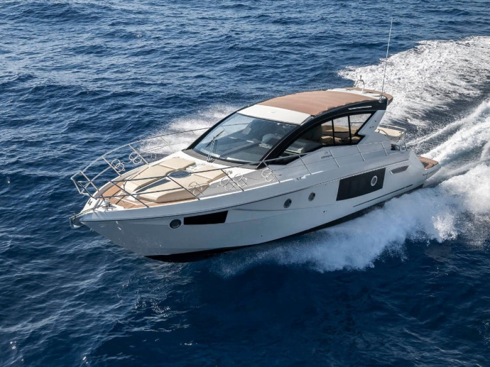 Hire Motor boat with or without skipper Cranchi Palma