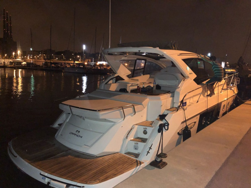 Boat rental Cranchi Cranchi M44 HT in Palma on Samboat