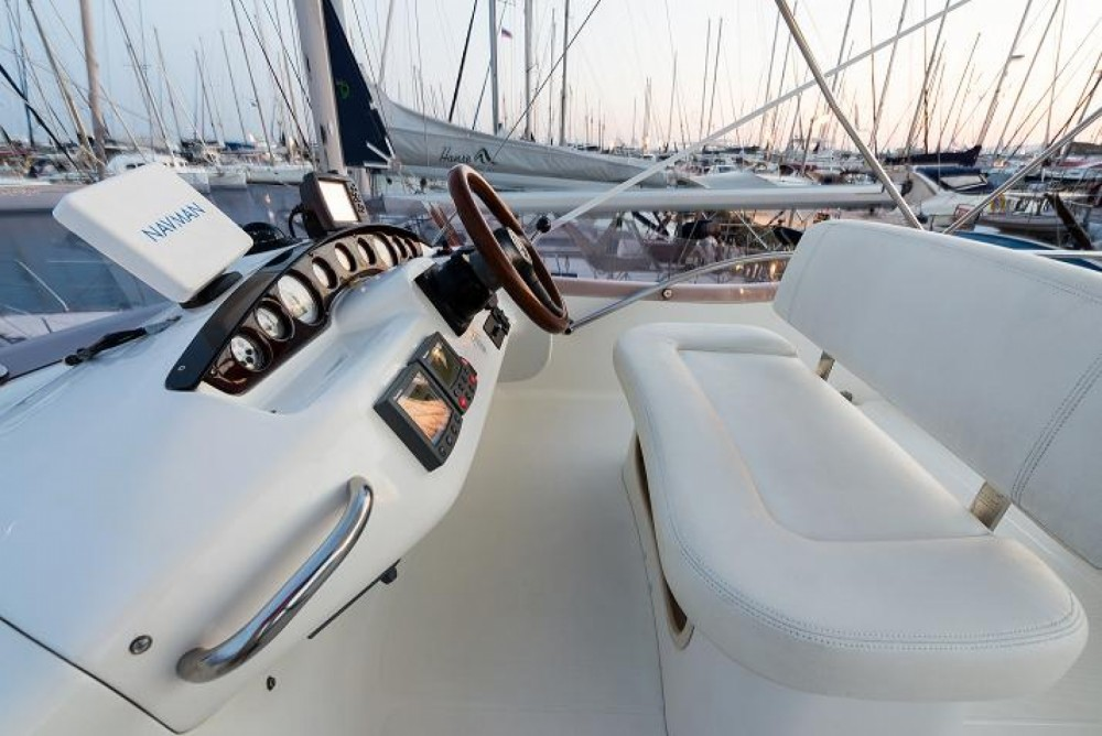Hire Yacht with or without skipper Cranchi Athens