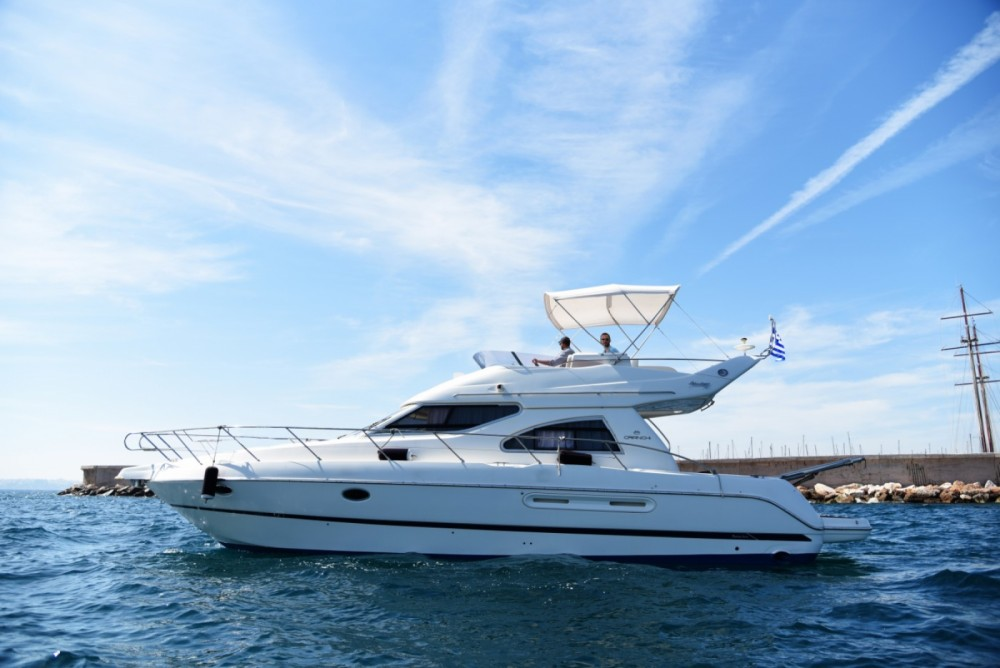 Cranchi Atlantique 40 Fly between personal and professional Athens