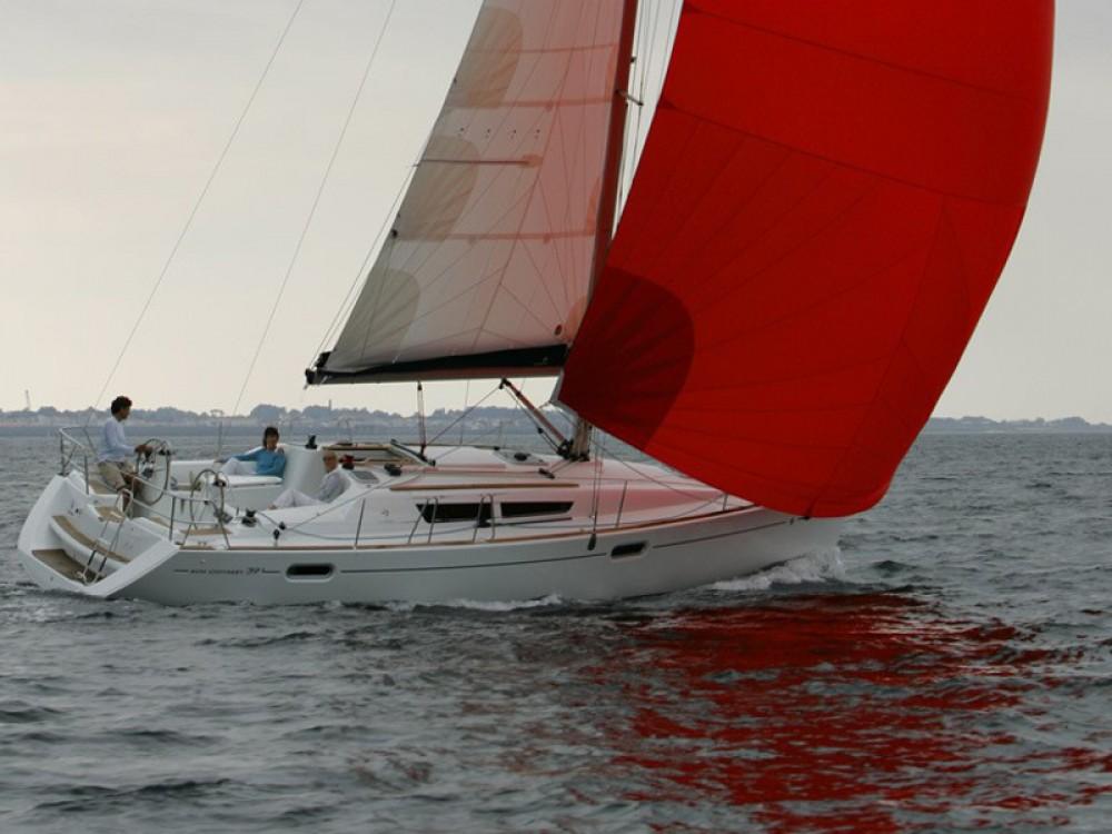 Jeanneau Sun Odyssey 39i between personal and professional Baška Voda