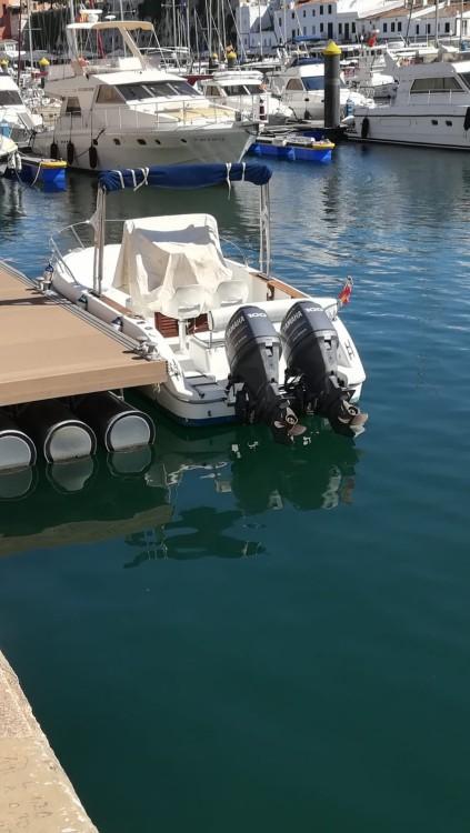 Louer Bateau à moteur avec ou sans skipper Sessa Marine à Fornells
