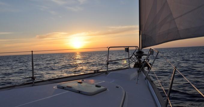 Location bateau Bénéteau Oceanis 423 Clipper à Finale Ligure sur Samboat