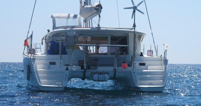 Boat rental Lagoon Lagoon 400 in Martigues on Samboat