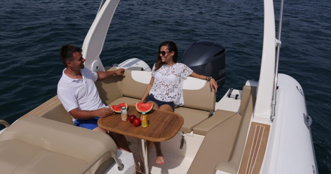 Alquiler de barcos Capelli Temepst 800 Open enClub de Mar en Samboat
