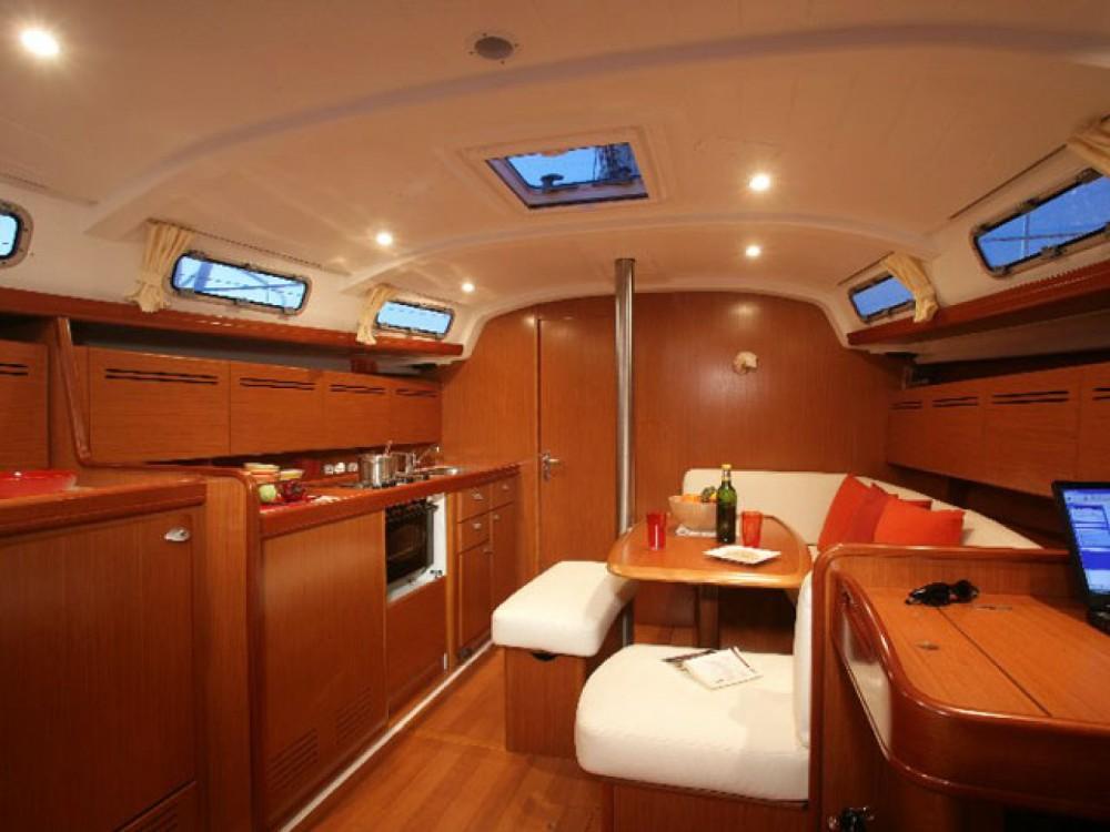 Rental yacht Alimos Marina - Bénéteau Cyclades 434 on SamBoat