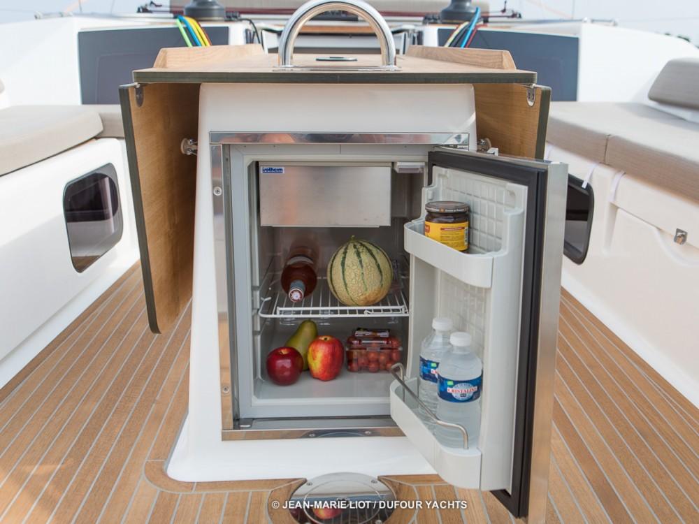 Sailboat for rent Marina Baotić at the best price