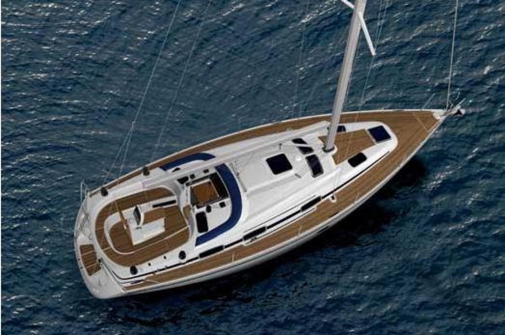 Boat rental Bavaria Bavaria 37 Cruiser in Šibenik on Samboat
