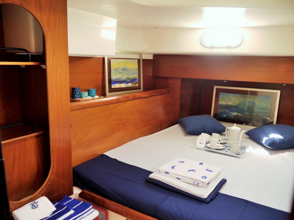 Rental yacht Sliema - Fountaine Pajot Lavezzi 40 on SamBoat