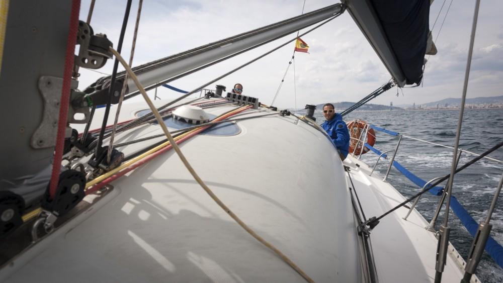 Louer Voilier avec ou sans skipper Jeanneau à Barcelone