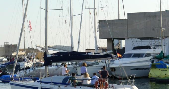 Location bateau Jeanneau One Design 35 à Barcelone sur Samboat