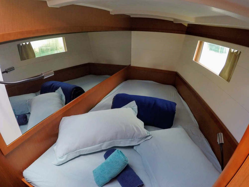 Rental yacht Furnari - Bénéteau Oceanis 48 on SamBoat