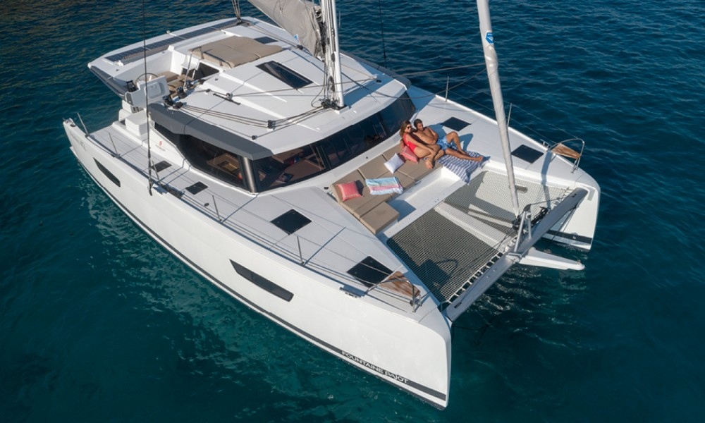 Fountaine Pajot Astrea 42 te huur van particulier of professional in Saint-Mandrier-sur-Mer