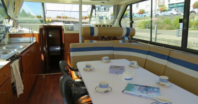 Location bateau Sablé-sur-Sarthe pas cher Nicols 1170